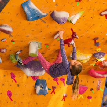 lily-bouldering-by-angie-payne